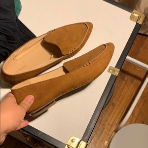 Express pointed shoes